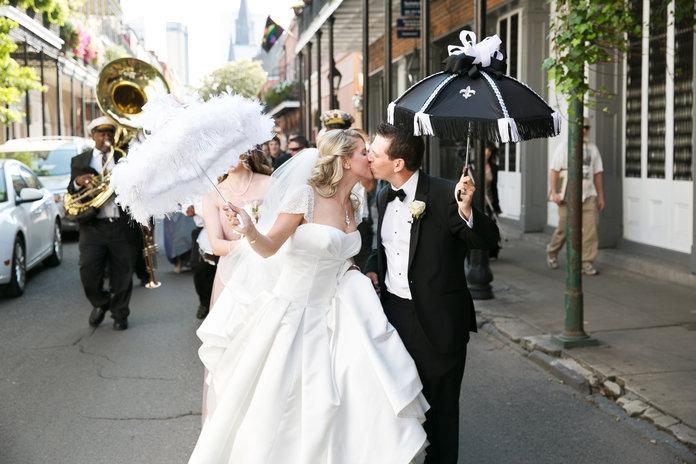 090717-wedding-parade-lead